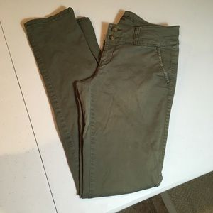 AEO Skinny Pants Army Green